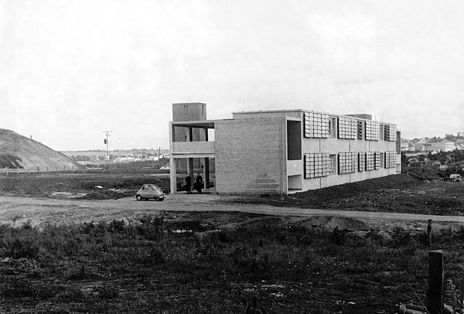 Década de 1950 - No primeiro plano, Colégio Medianeira em construção.Fonte: Colégio Medianeira.