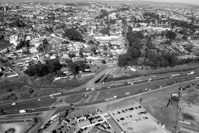 2000 - Vista aérea do Guabirotuba. Fonte: Instituto de Pesquisa e Planejamento de Curitiba.